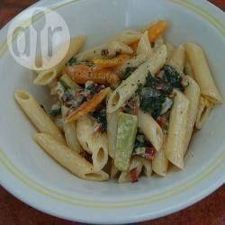 Pasta met snijbiet, courgette en wortel in roomsaus @ allrecipes.nl