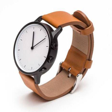 Névo: une montre connectée sur les traces de la Withings Activité