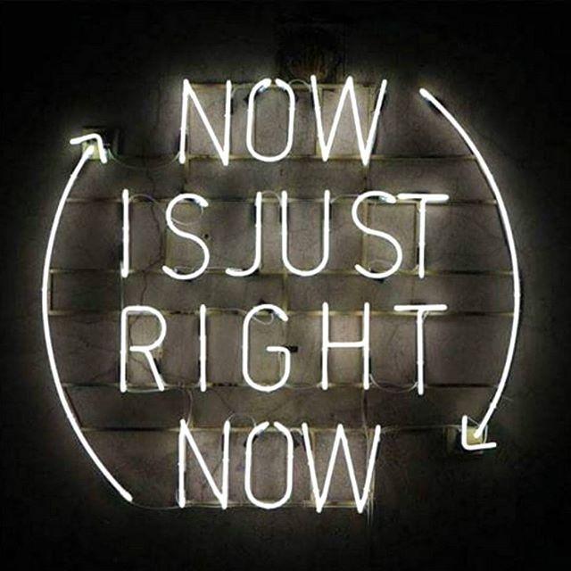"""zpr La funzione primaria dell' #orologio Time-Peace non è dirti l'ora, ma ricordati di vivere il momento presente. """"La cattiva notizia è che il tempo vola. La buona notizia è che sei il pilota."""" (Michael Althsuler) . . . . #youngersitalia #brand #multimarca #fashion #fashionstore #ecommerce #onlineshop #watches #orologi #orologio #watch #instastore #instafashion #peace #neonlight #fashiongram #style #stylish #stile #moda #time #modafemminile #modamaschile #tempo #timepeace #pace #carpediem"""