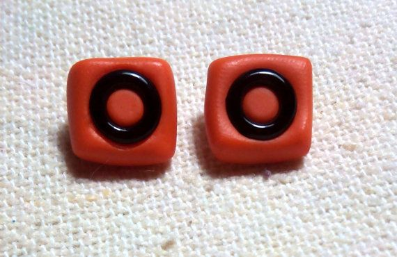 Pendientes Cuadrados Unisex y de Hombre, de botón. Colores: Naranja, Negro, Violeta, Azul, Amarillo  / Arcilla polimérica