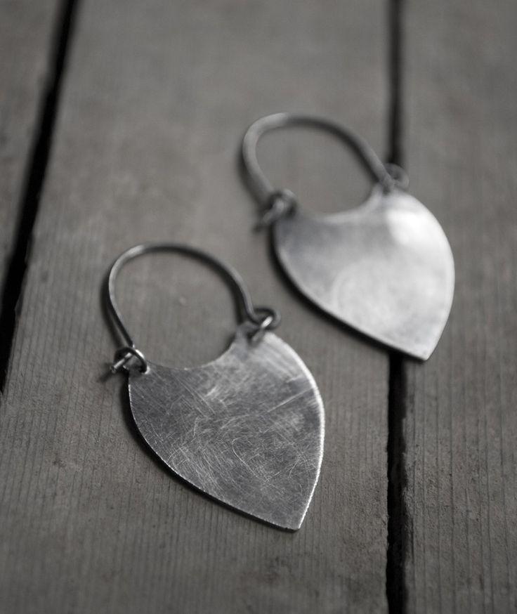 Espana No. 1: tribal spear point arrowhead - earrings.