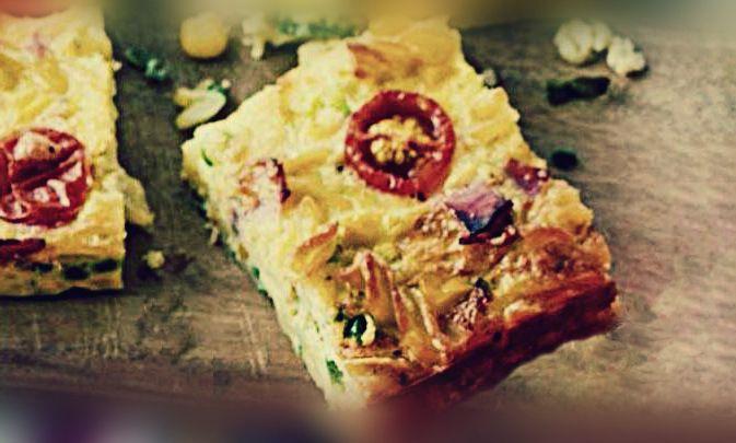 Η φριτάτα είναι πιάτο Ιταλικής προέλευσης με βάση τα αυγά, σαν την γνωστή μας ομελέτα, εμπλουτισμένο με πρόσθετα συστατικά όπως κρέατα, τυριά, λαχανικά ή ζυμαρικά.