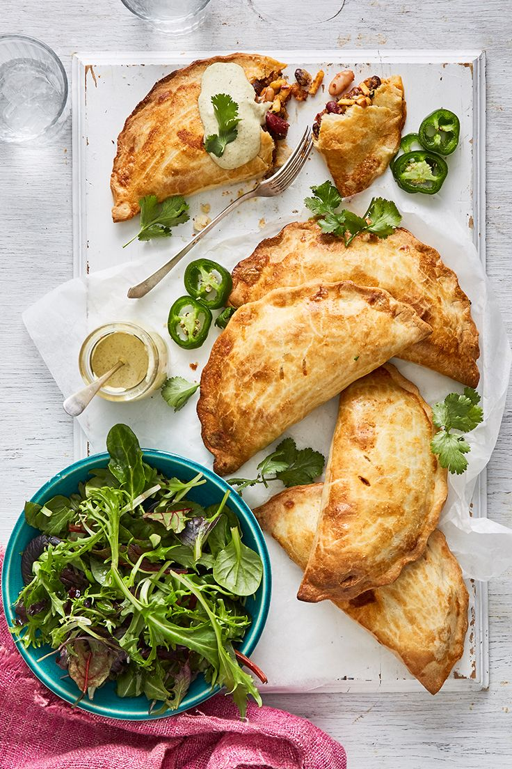 These parcels of cheesy deliciousness are sure to be a favourite among the entire family. For those who like it hot, just top with our spicy jalapeño mayonnaise for added punch.