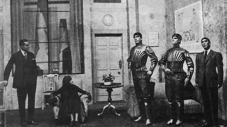 Robot — Cadavre exquisR.U.R. : Rossum's Universal Robots is a science fiction play in the Czech language by Karel Čapek, 1921 tag: robotFull serie: