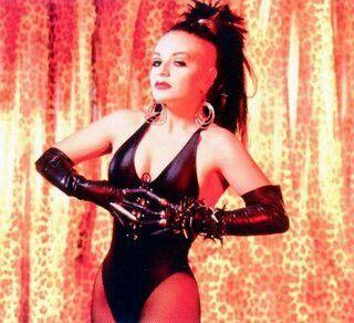 Olvido Gara, más conocida como Alaska, nació en México en 1963.  Fue una de las cantantes que impulsó la ''Movida Madrileña'', surgida en 1981.