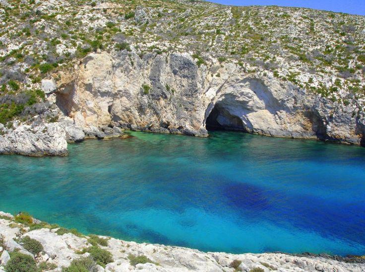 Το Trip Advisor δημοσίευσε τη λίστα με τις καλύτερες παραλίες στην Ελλάδα για το 2016, όπως τις ανέδειξαν οι αναγνώστες του ταξιδιωτικού ιστοτόπου μετά από ψηφοφορία. 10 παραλίες εξίσου όμορφες,..