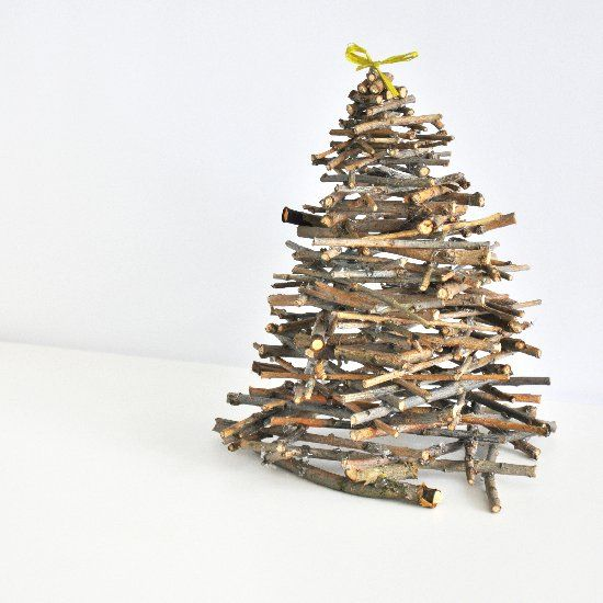 Make this natural and simple mini Christmas tree out of twigs. The tutorial is in Lithuanian language.