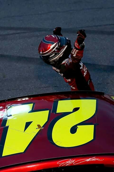 Jeff Gordon wins at Martinsville (2015)