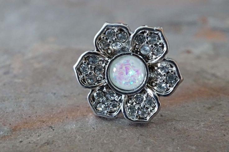 Flower Daisy Opal Tragus Cartilage Earring
