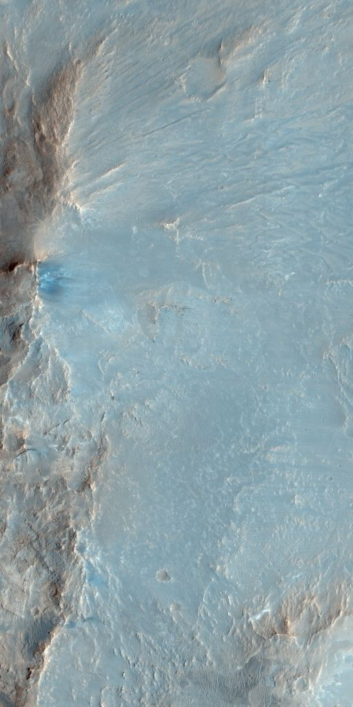 High resolution Mars craters-East Wall of Ritchey Crater, 04 February 2009. Credit: NASA/JPL/University of Arizona #