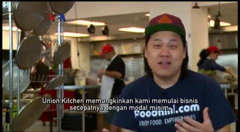 """""""Union Kitchen"""" telah membantu puluhan perusahaan rintisan bidang kuliner untuk mewujudkan impian mereka, tanpa harus punya restoran atau dapur profesional. Bukan hanya perlengkapan masak, dapur inkubator ini juga menyediakan jasa pendukung seperti desainer produk atau pengurusan pajak.  Simak #LiputanFeatureVOA berikut ini.  Di YouTube:  https://youtu.be/htx1pOrY75k"""