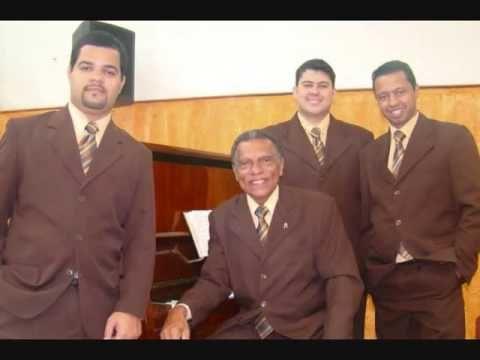Cantores Baixos Brasil 2 Acesse Harpa Cristã Completa (640 Hinos Cantados): https://www.youtube.com/playlist?list=PLRZw5TP-8IcITIIbQwJdhZE2XWWcZ12AM Canal Hinos Antigos Gospel :https://www.youtube.com/channel/UChav_25nlIvE-dfl-JmrGPQ  Link do vídeo : https://youtu.be/SKyydbRm0Ck  O Canal A Voz Das Assembleias De Deus é destinado á: hinos antigos músicas gospel Harpa cristã cantada hinos evangélicos hinos evangelicos antigos louvores pregações palestras seminárioscultos pregações  culto…