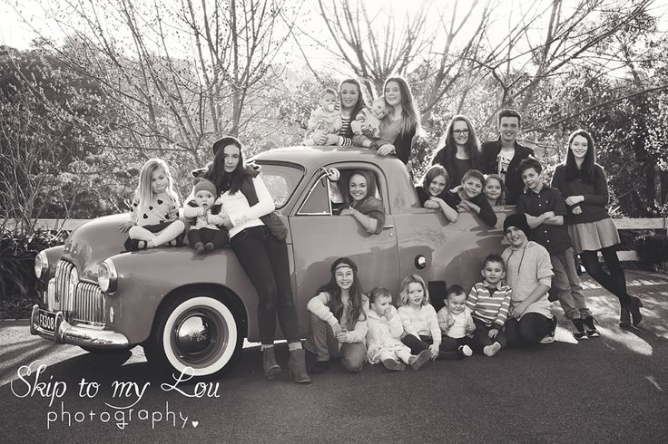 21 Grandkids in Holden FX ute large family photography - Skip to my Lou Photography - Melbourne