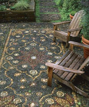 Pebbles create a Persian carpet-inspired mosaic.Pebble Mosaics, Ideas, River Rocks, Outdoor Rugs, Rivers Rocks, Mosaics Patios, Gardens, Stones, Backyards
