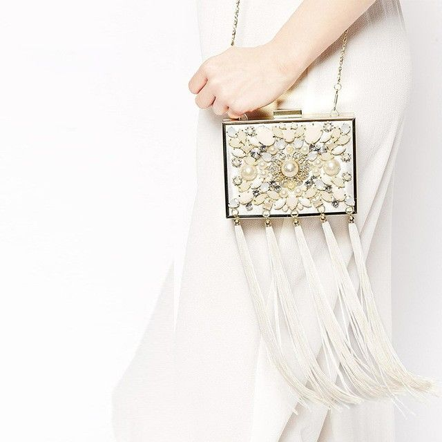 Perfect shoulder bag for after party wedding
