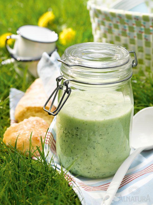 Kalte Suppe? Kalte Suppe! Herrlich erfrischend und super für's Sommer-Picknick   #Alnatura #Gurke #cucumber #Suppe #Picknick #picnic