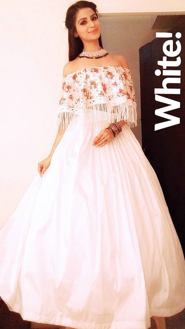 pyaari prinku ki white dress.