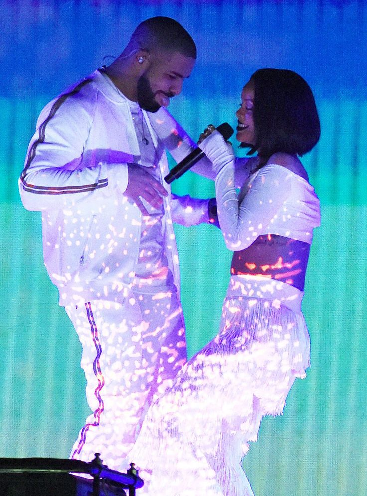 Drake & Rihanna Are (Allegedly) Totally Dating Now