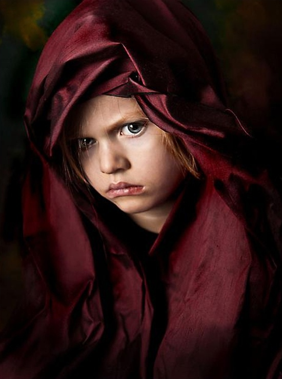 Grumpy Portrait in Red ~ Hmmmmm http://royalepost.com/master-pieces-of-fascinating-emotional-portrait-photography/