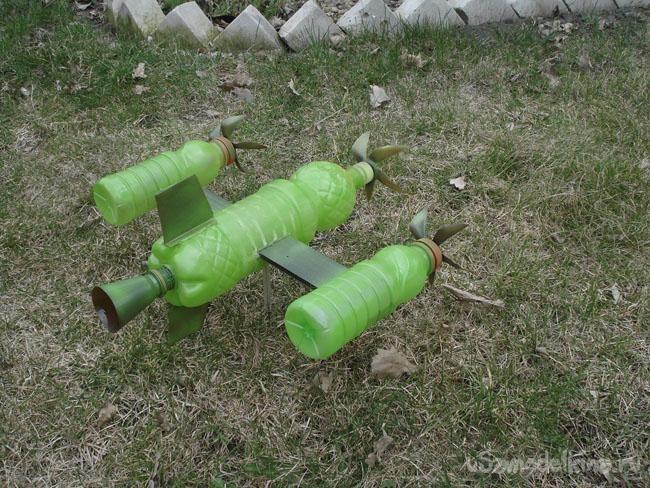 Флюгер - самолет для детей из пластиковых бутылок