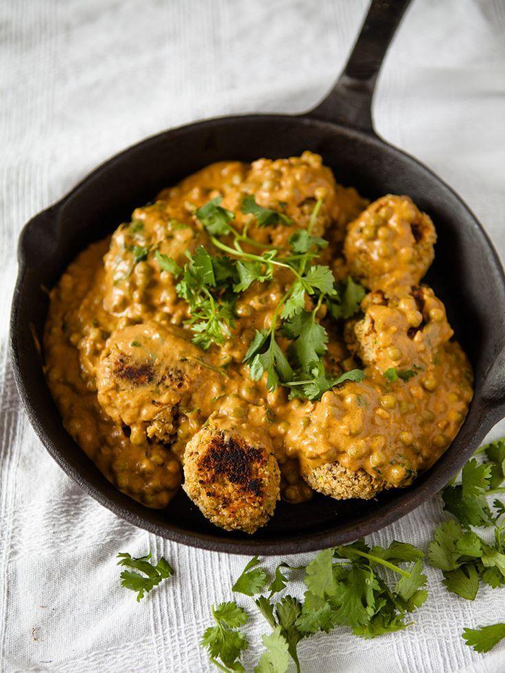 Vegan Chickpea Meatballs in Creamy Curry Cashew Sauce