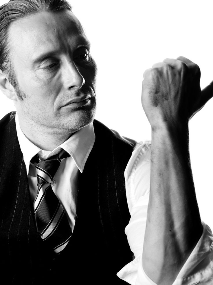 Mads Mikkelsen Can someone explain to me how the hell he makes forearms are sexy?