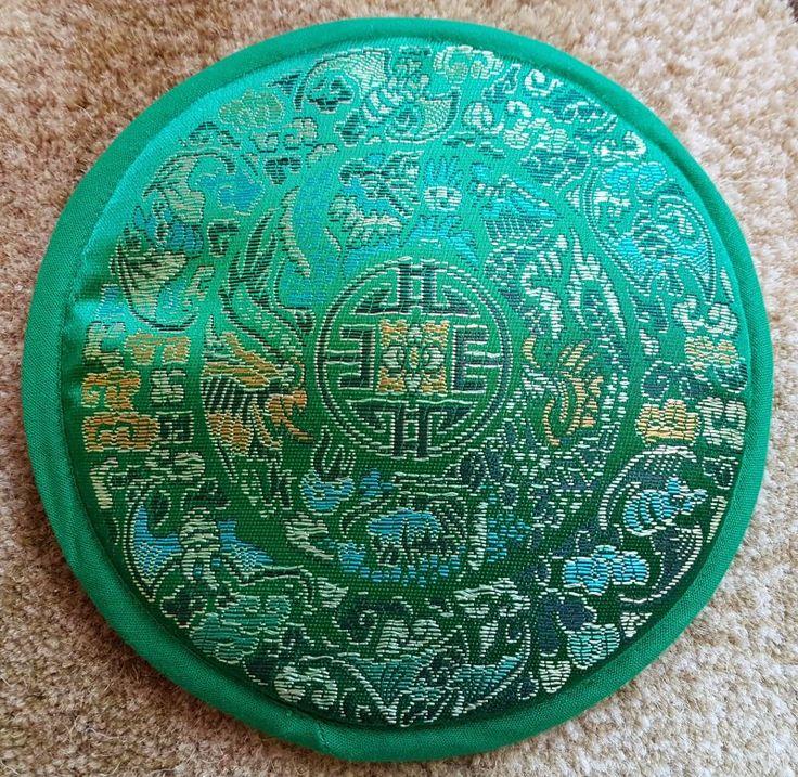 Suporte Para Sino Tibetano em Brocado - Mandala Verde