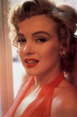 Hello and Welcome to the Marilyn Monroe Fan Site. Take a peek through the fine collection of Marilyn Monroe videos, photographs and gifs. Some of which, you may not have seen before! Thank you very...