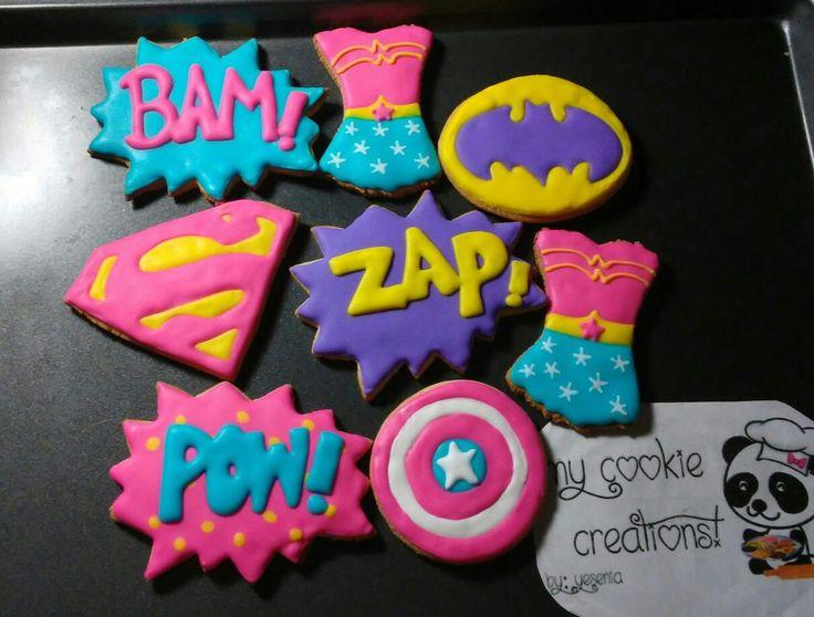 Dos docenas entregadas en diciembre!!! #inlove #mycookiecreations #superheroes #superheroescookies #supergirl #dccomics #dcgirls #cookies #comicscookies #wonderwomancookies ✌❤