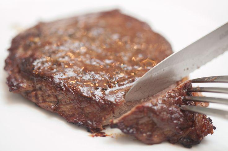 how to make juicy steak in a pan