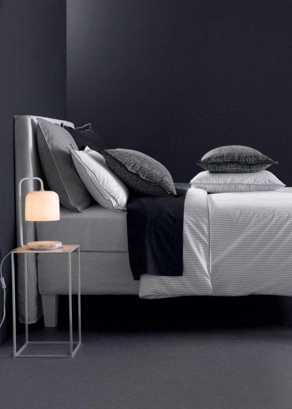 Table de chevet en mabre, décoration marbre, marble in bedroom