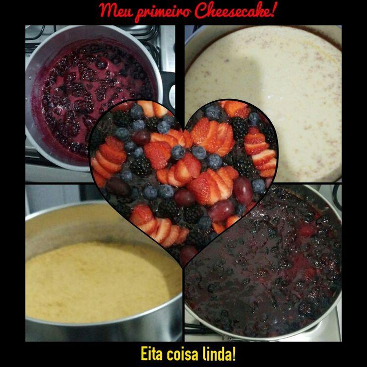 CHEESECAKE DE FRUTAS VERMELHAS    ✿ Para a massa:-  ⇒ 200 g de biscoito tipo maisena (usei 2 pacotinhos daqueles que vem em uma embalagem com 3 ⇒ 1 colher (sopa) cheia de manteiga ✿ Para o recheio:-  ⇒ 300 g de cream cheese Philadelphia ⇒ 1 lata de leite MOÇA     cheesecake-de-frutas-vermelhas CHEESECAKE DE FRUTAS VERMELHAS  ✿ Para a cobertura:-  ⇒ 1 caixinha de morangos frescos ou congelados ⇒ 250 g de açúcar cristal ⇒ 1/2 limão espremido ⇒ 1 caixinha de amora fresca  ⇒ 1 caixinha de…