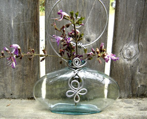 Celtic Spiral Hanging Vase Wide Flat Flask by nicholasandfelice, $ 18.00: Spring Flower, Vases Planters, Mothers Day Gifts, Wide Flats, Gardens Planters, Celtic Spirals, Homes Decoration, Flats Flasks, Spirals Hanging