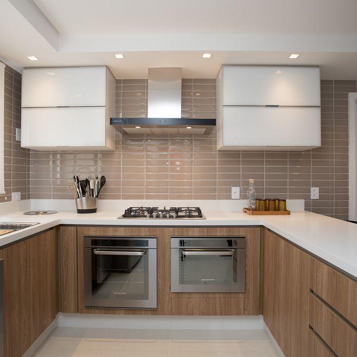 Cozinha Branca E Marrom De Cozinha Gourmet De Meet Arquitetura E