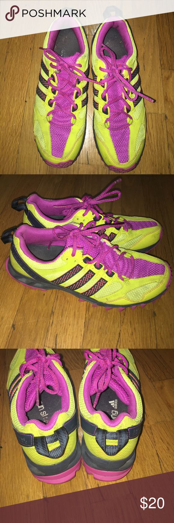 Adidas Kanadia tr5 Sneaker Sz 9.5 Gently worn. Great for trails, hiking, outdoor workouts. adidas Shoes Sneakers