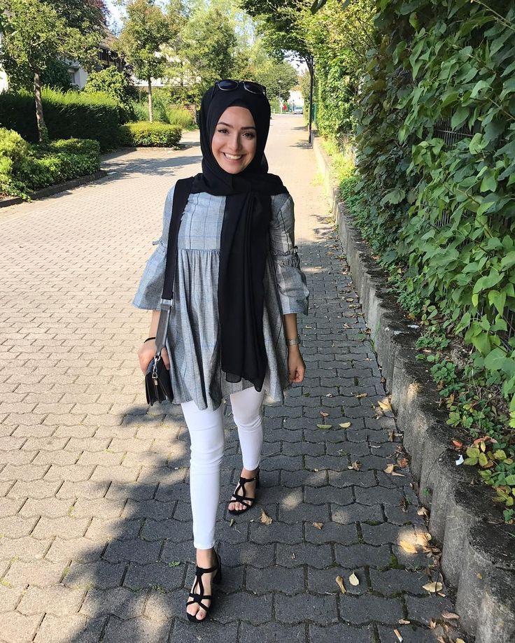 """2,470 Beğenme, 14 Yorum - Instagram'da B E Y Z A  T U R A N /21 y/o (@beyza.turan.__): """""""" beyaz kot başörtülü başörtüsü kadın giyim modelleri white jeans hijab"""