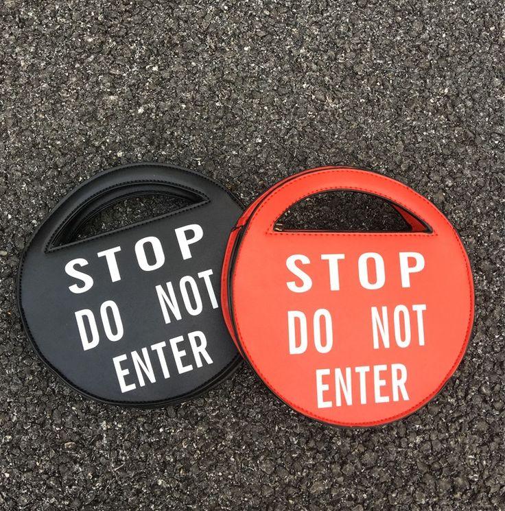 Весело уникальный письмо случайные тотализаторов предупреждающие знаки круглая форма цепь сумка женская сумка кошелек crossbody сумка лоскут купить на AliExpress