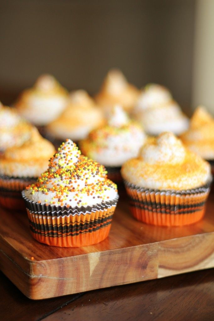 Pumpkin Spice Cupcakes with Whipped Frosting - only 3 ...