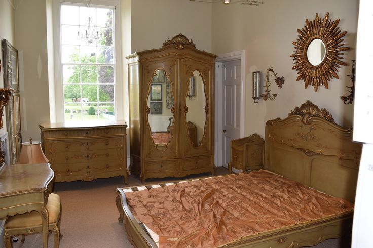 Antique Venetian Bedroom Suite For Sale, Chattelier, Burford House WR15 8HQ