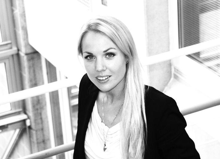 Aina er på jakt etter sin etterfølger. Hun er snart ferdig som trainee i Eniro Norge. Les om en dag i en trainess liv.