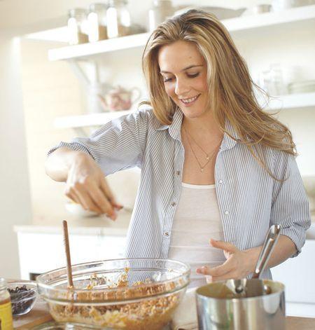 Bizony! Az alapanyaga kesu, ami kiváló A- és B vitamin, béta-karotin, folsav, foszfor, magnézium, vas, réz, cink és szelén forrás. Kalciumban gazdag csonterősítő, antioxidáns és E vitamin tartalma pedig késlelteti az öregedést. Az alternatív kecskesajt receptjét Alicia Silverstone oldalán ( http://thekindlife.com/ ) találtam....
