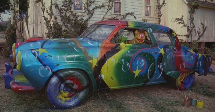 4-Muppet-Movie-Studebaker-Clever-Costume-Ideas-For-Your-Car