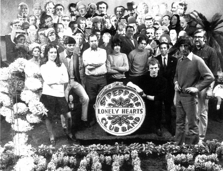 Jann Haworth and Peter Blake in the set of Sargent Pepper's Lonely Heart Club