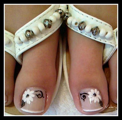 Decoración de uñas en los pies
