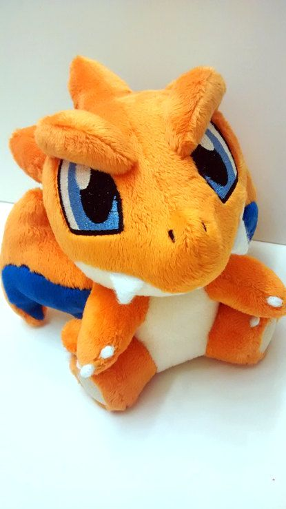 Pokemon Plush Mega Charizard Y by theafrohorse on Etsy - en Charizard-bamse, enten Mega X eller Charizard Y