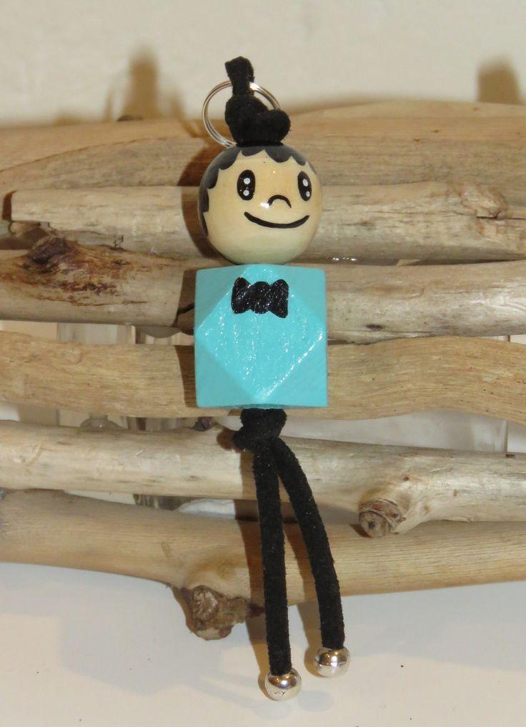 """Porte clé en perles de bois """"billes de sourires"""" figurine graçon entierement peinte à la main et personnalisable : Porte clés par pimprenelle-coccinelle-creations"""