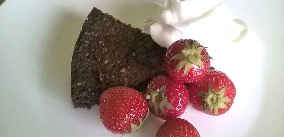 Chocoladecake! Suikervrij, dus wie houdt je tegen?