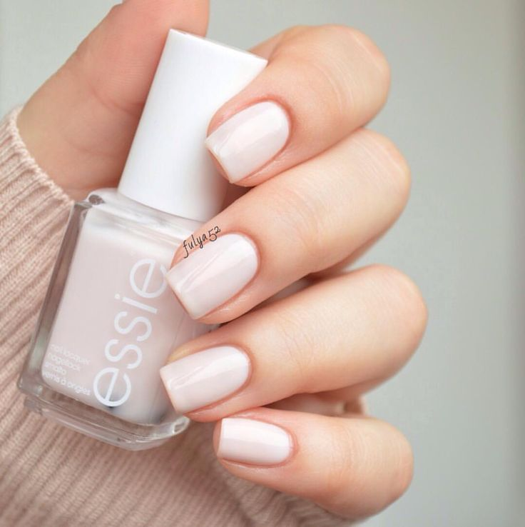 "Fulya on Instagram: ""essie • ballet slippers @essiepolish @essie_nl"""