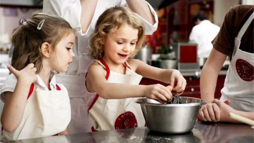 10 Must-Haves For Kid-Friendly Holiday Baking projectevemoms.com