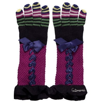 Oh my. Catimini embellished gloves for a lucky little girl.